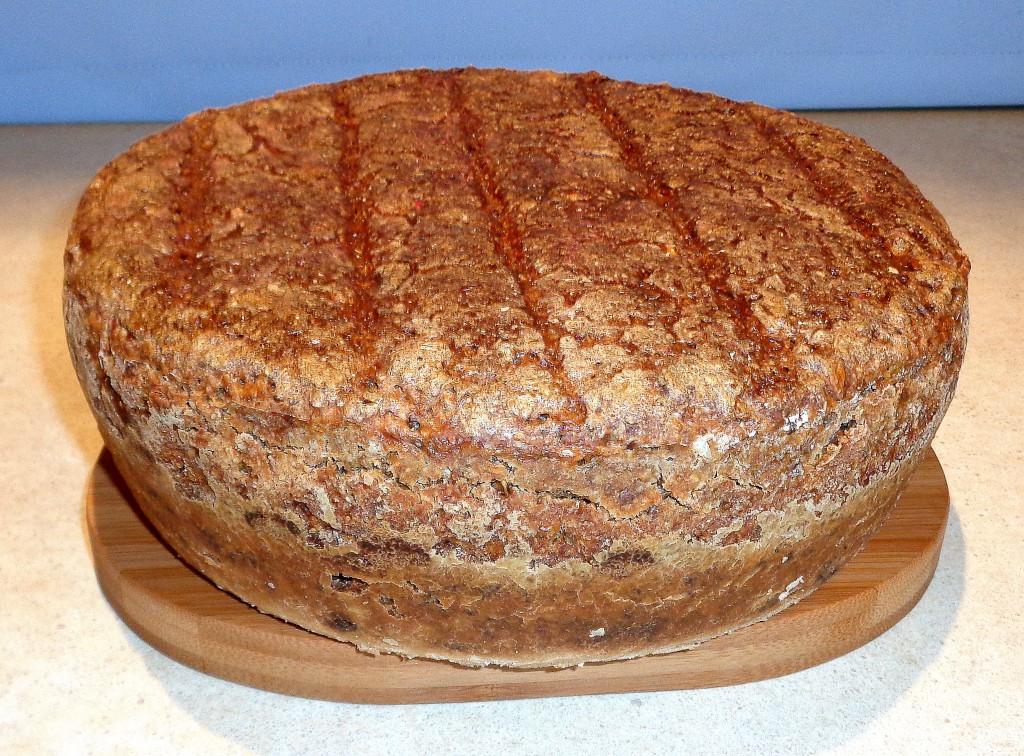 domowy chleb, domowy chleb na zakwasie, domowy chleb z ziarnami