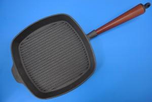 żeliwna patelnia grillowa, patelnia żeliwna grillowa opinie, dobra patelnia grillowa