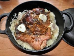 potrawy z kociołka żeliwnego, pieczenie w garnku żeliwnym, potrawy w garnku żeliwnym