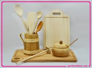 drewniane przybory kuchenne, akcesoria kuchenne z drewna, drewniane narzędzia kuchenne