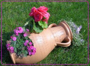 gliniane dzbany do ogrodu, dzbany leżące do ogrodu, dzbany ogrodowe